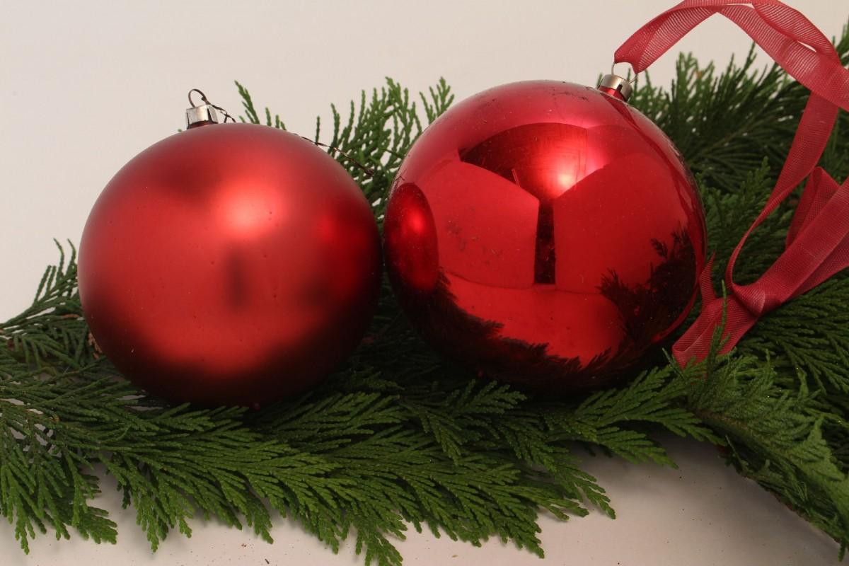 7 gro e weihnachtskugeln weihnachtsdeko christbaumkugel glaskugel rot matt glanz ebay. Black Bedroom Furniture Sets. Home Design Ideas